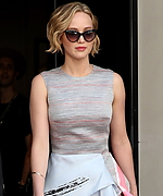 Jennifer_Lawrence_-_Vanity_Fair_and_Armani_Party_05172014.jpg