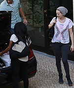 Jennifer_Lawrence_-_Arriving_at_a_hotel_in_Berlin_-_52214__28929.jpg